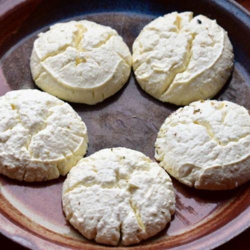 Recette de bouchées de fromage de kéfir croquant