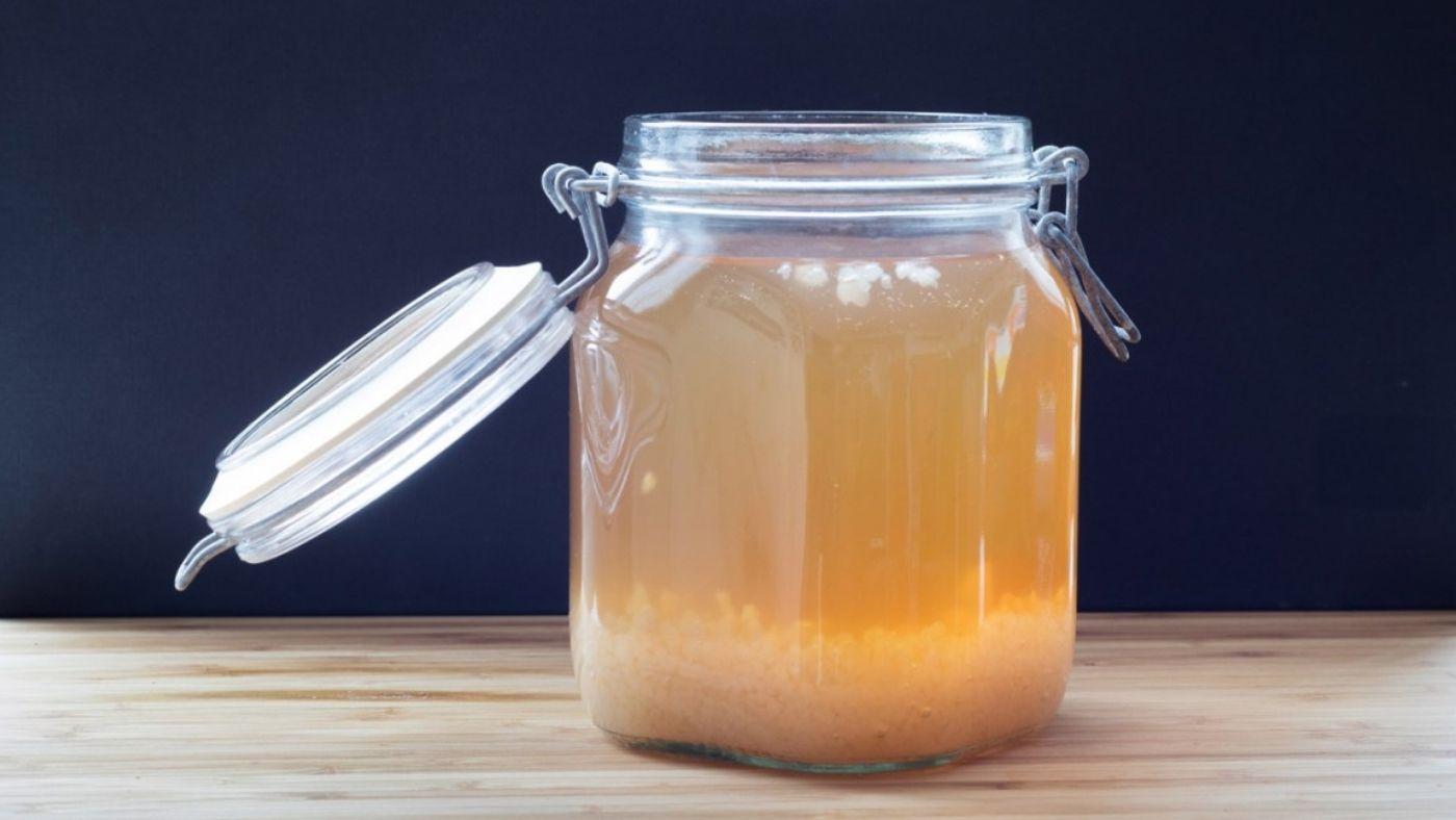 Water kefir fermenting