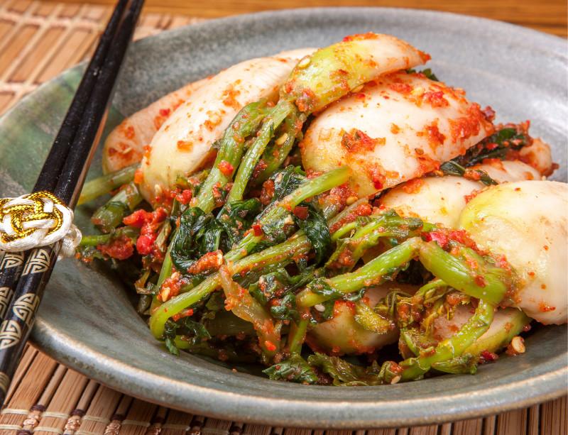 Kimchi de radis avec leurs fanes (chonggak)